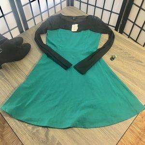 Forever 21 Skate Dress green&black long sleeve